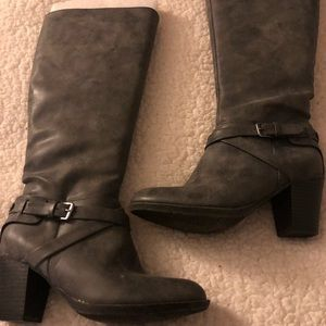 Gray boots by Peyton